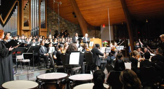 James Bingham directs the Columbia Union Choral Festival at Spencerville Adventist church