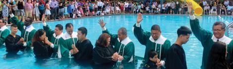 Conference pastors baptize 37 during the 2016 Ohio Conference Hispanic Camp Meeting.