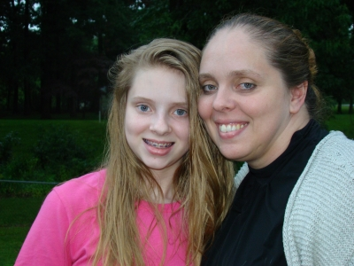 Pennsylvania Conference member Makaela Smith (pictured with her mom, Joline Martin) formed a club at her school to help others.