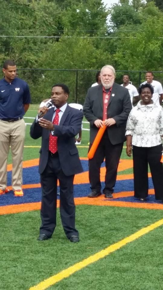 Jarrett Smith, Takoma Park Councilmember, at the opening of</body></html>